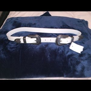 Accessories - Double buckle white belt